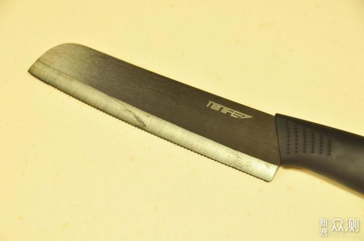 切面包你用对刀了吗?途耐清雅锯齿陶瓷刀体验_新浪众测