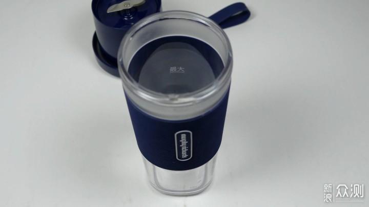 摩飞便携榨汁杯体验,终于可以随时来一杯果汁_新浪众测