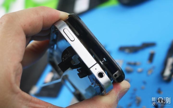 原来手机那么多组件,iphone4拆机分享_新浪众测