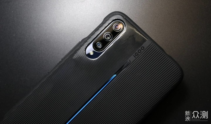 生而强悍,iQOO 手机用诚意叩开线上市场_新浪众测