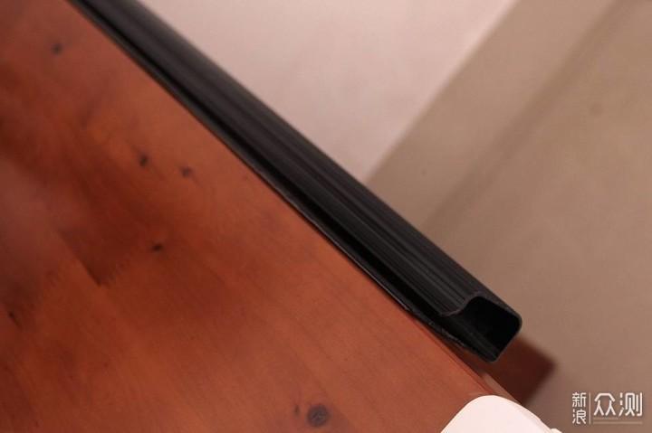电脑桌面升级爱格升支架后的线材整理_新浪众测