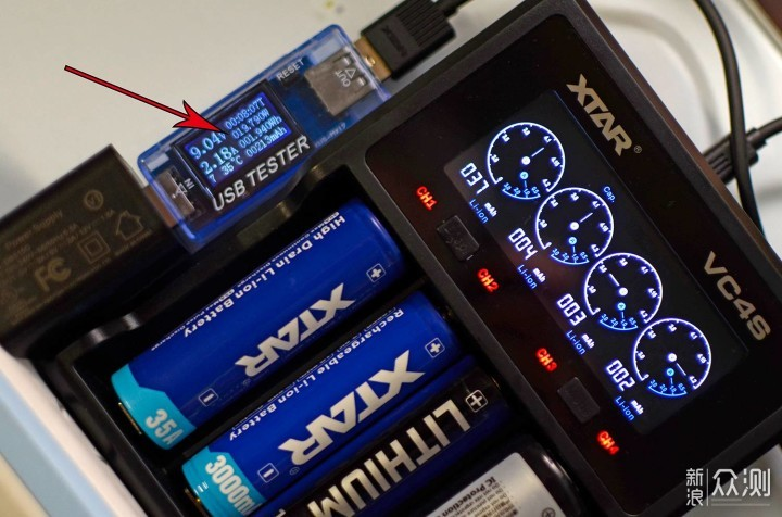 快速充电 显示全面—XTAR VC4S充电器_新浪众测