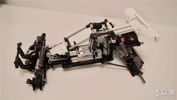 积木与激情并存的速度:米兔沙漠玩具赛车乐高积木会动的遥控图片