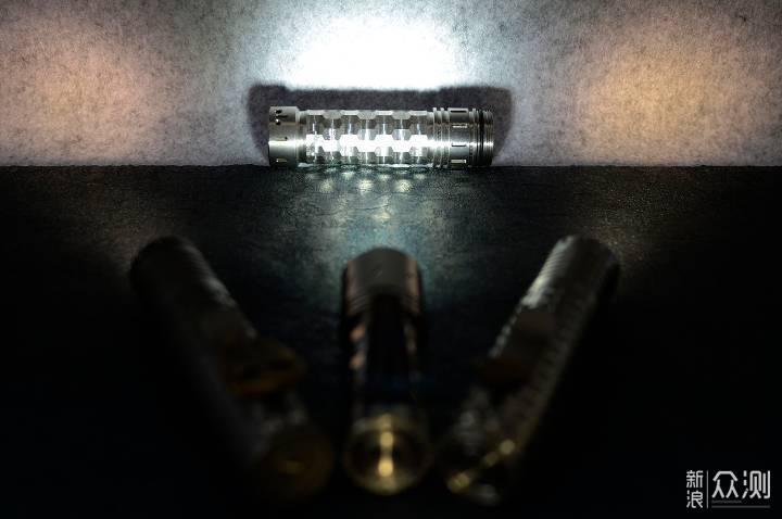光与色交融 水晶般闪耀:Reylight水晶手电_新浪众测