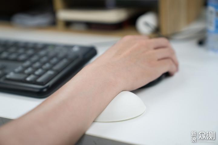 5年职场老油条——个人穿搭与办公桌面分享_新浪众测