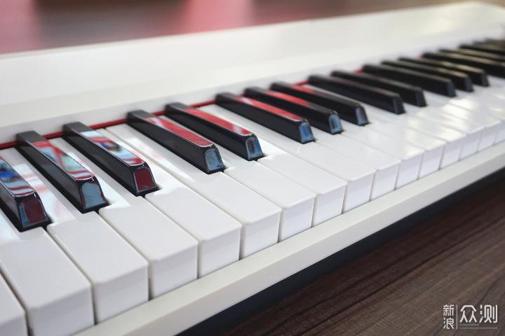 跟着朗朗学弹琴,不是梦想—TheOne智能电子琴_新浪众测