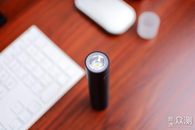 强光手电筒也能玩出花:紫米三合一手电评测_新浪众测