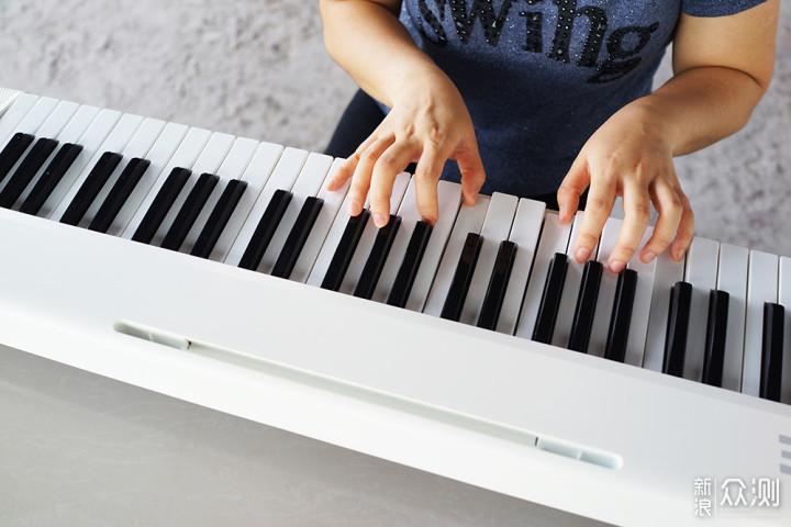 从兴趣到实战:The ONE智能电子琴Air轻松入门_新浪众测