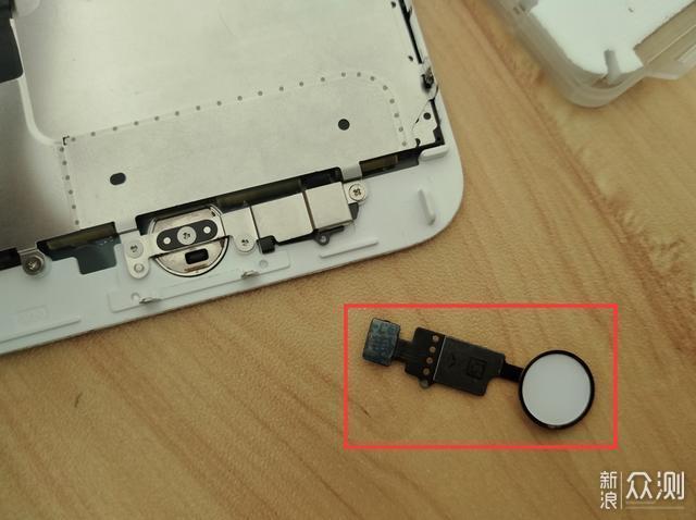 让逝去的home键复活,iPhone缝缝补补再战三年_新浪众测