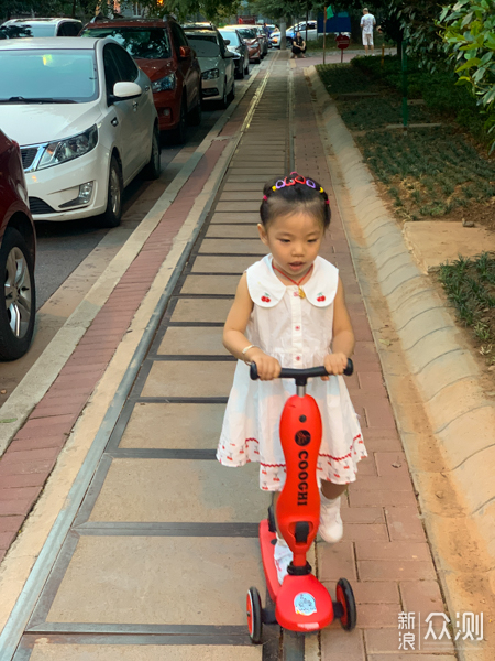 推骑滑三模合一,体验COOGHI酷骑儿童滑板车_新浪众测