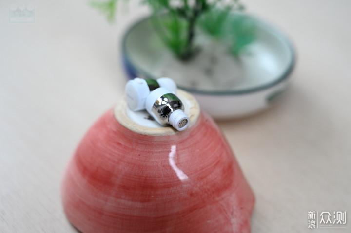 设计好看的蓝牙耳机,设计简约的诺基亚BH-705_新浪众测