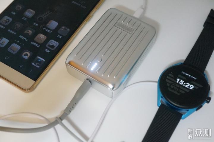 更小更快更酷,Zendure SuperMini移动电源_新浪众测
