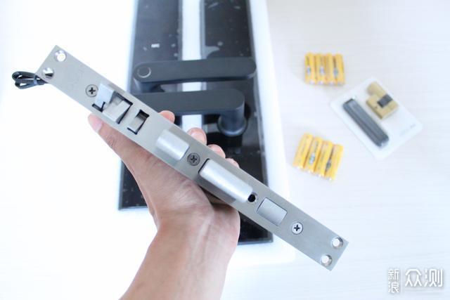 鹿客智能指纹锁关门自动上锁,让你用的放心_新浪众测