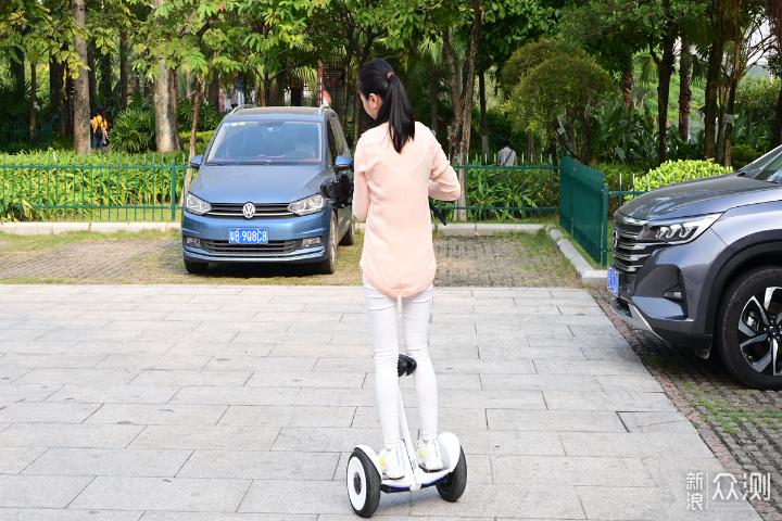 智能安全兼备,半职业摄影师玩转九号平衡车_新浪众测