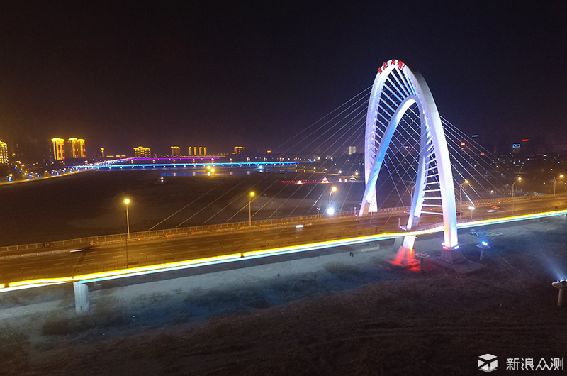 包含了辽宁省锦州市的渤海湾,辽沈纪念馆,云飞大桥等风景,在操作上