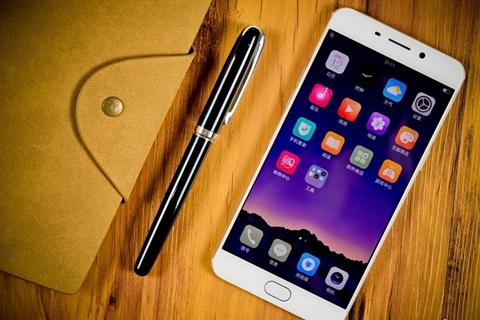 自拍利器与急速指纹并存 OPPO R9手机体验