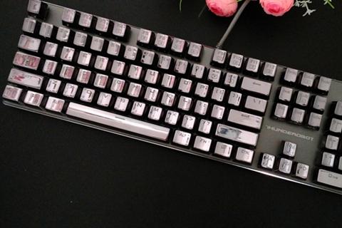 一款诚意与创意十足的机械键盘--雷神K71B体验