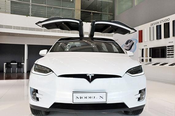你好,特斯拉Model X,未来!