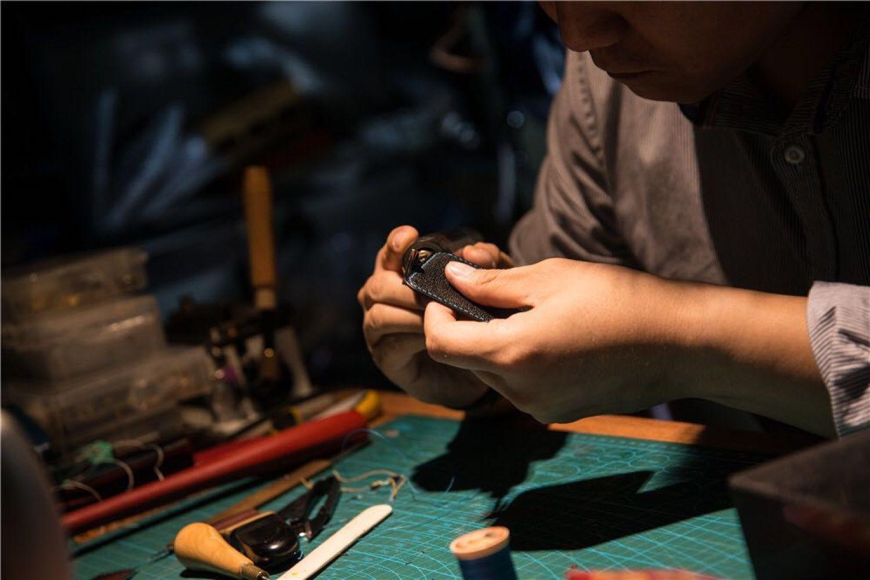 皮具DIY——图解说一说表带的双面打斩和缝线