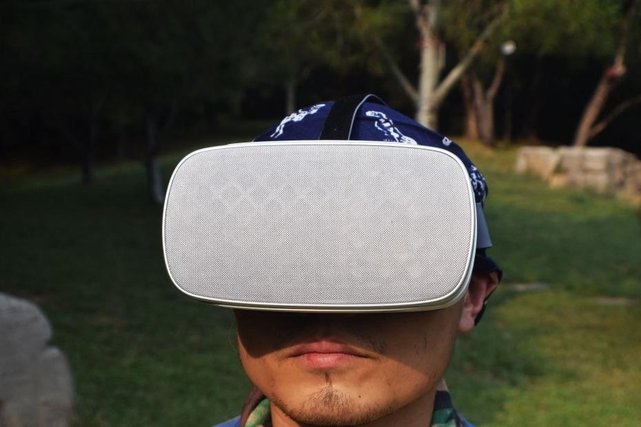 Pico VR一体机:2K屏、自带扬声器、可玩2D游戏