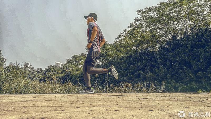修身速干,舒适畅跑|AMAZFIT运动速干T恤测评_新浪众测