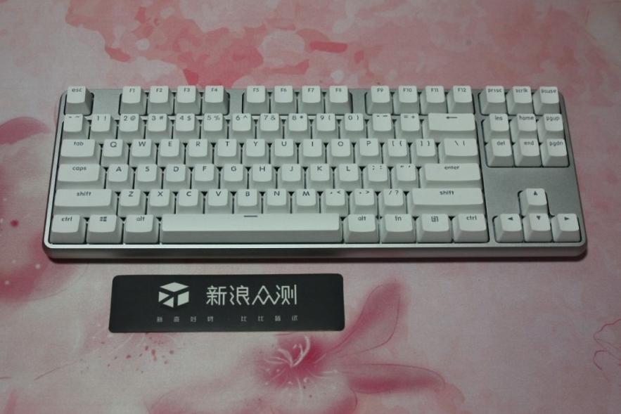 有惊喜但不完美——悦米机械键盘Pro评测