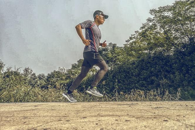 修身速干,舒适畅跑|AMAZFIT运动速干T恤测评