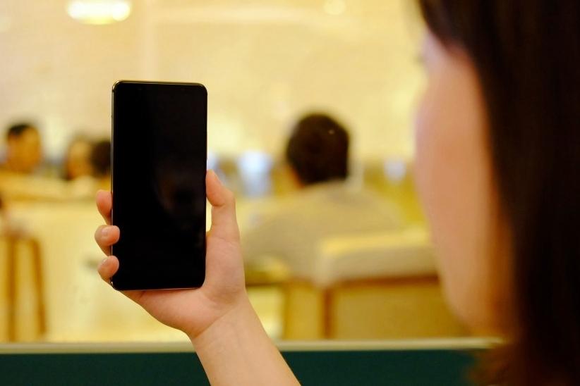 打造一台线下爆款手机需要几步?vivo X20体验