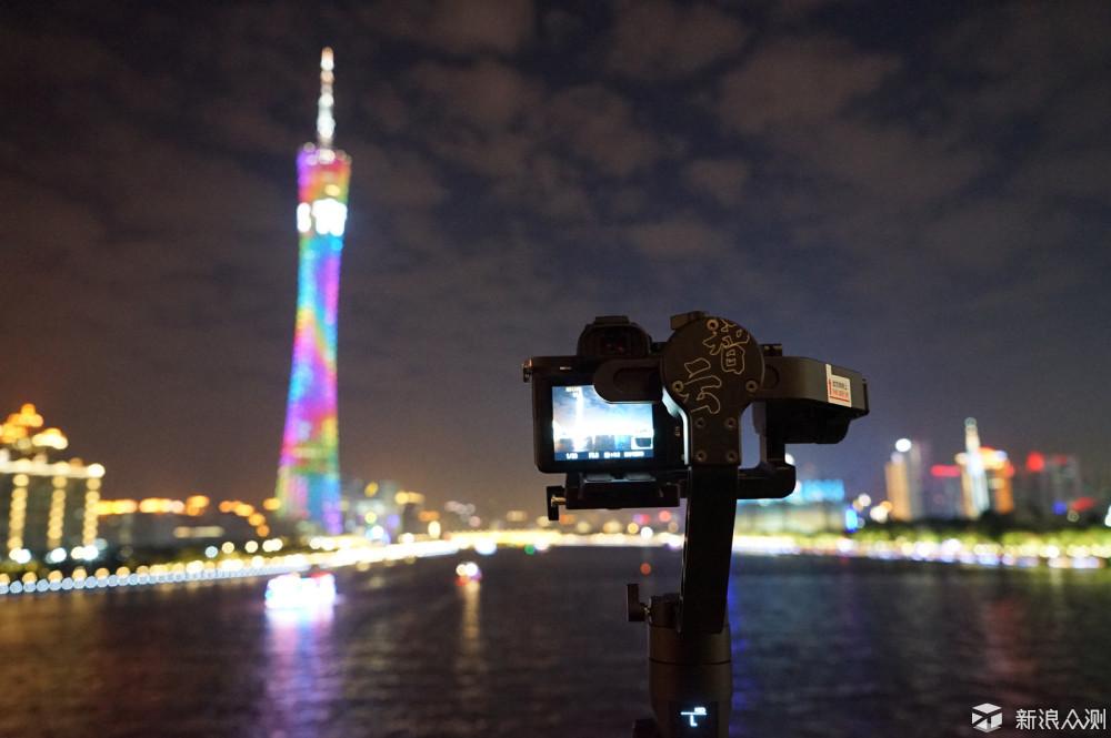 告别三脚架,让单反相机跑起来拍视频的稳定器_新浪众测