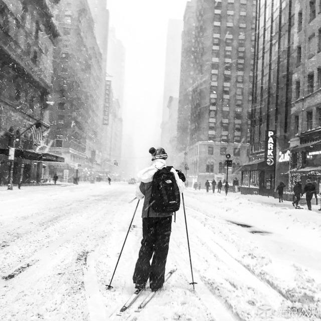 纽约大雪,要淡定_新浪众测