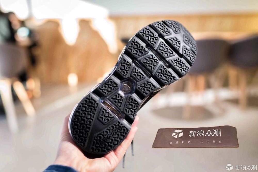 李宁空气弧跑鞋 运动也走低调风_新浪众测