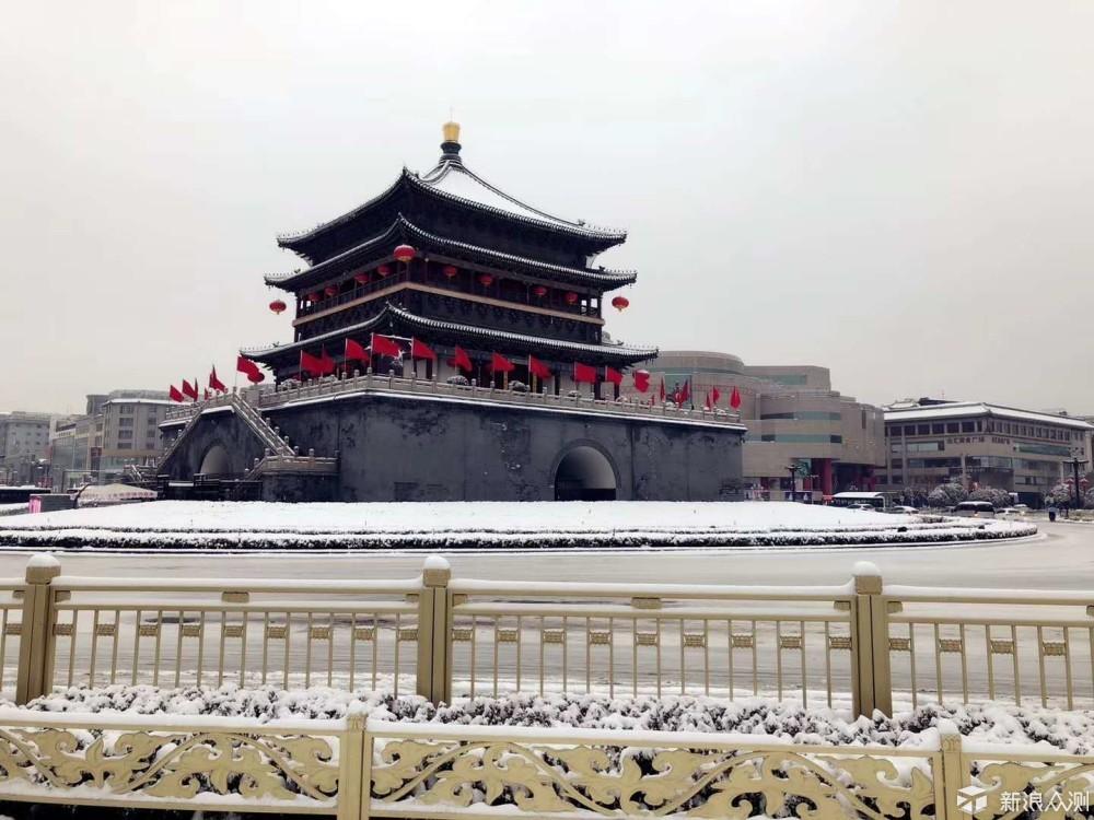古城钟楼雪景_新浪众测