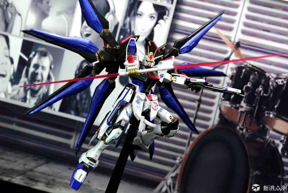 万代MG强袭自由高达模型喷漆上色初体验_新浪众测