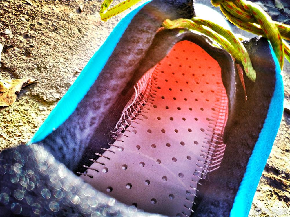 风驰雷电--TECNICA雷电X-LITE3.0越野跑鞋测评_新浪众测