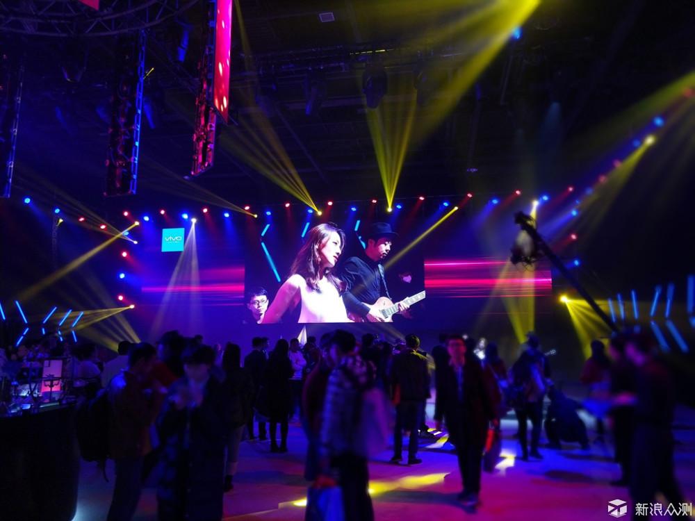结合vivo fans庆典说说vivo X20Plus后置双摄_新浪众测