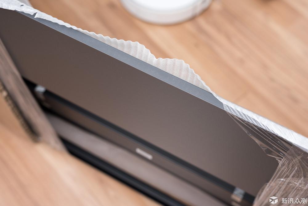 这个纤维板桌子凭什么卖得比红木桌的还贵?_新浪众测