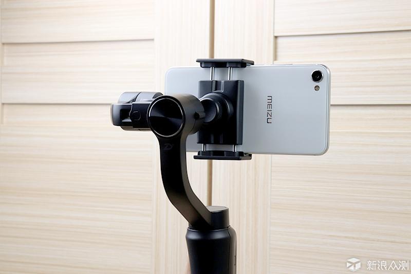 手机拍片,用不用手持稳定器究竟有何区别?_新浪众测