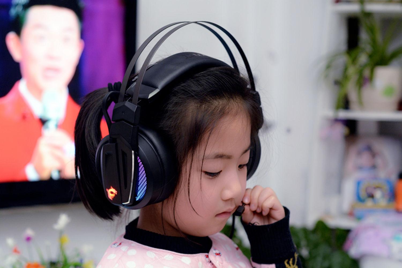 魔音麦克风  微星GH70电竞耳机评测