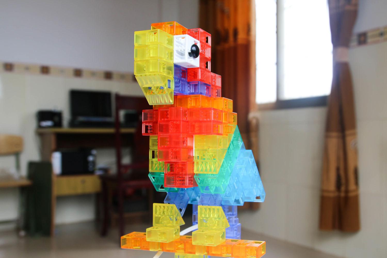 大孩子的玩具——索尼KOOV编程机器人
