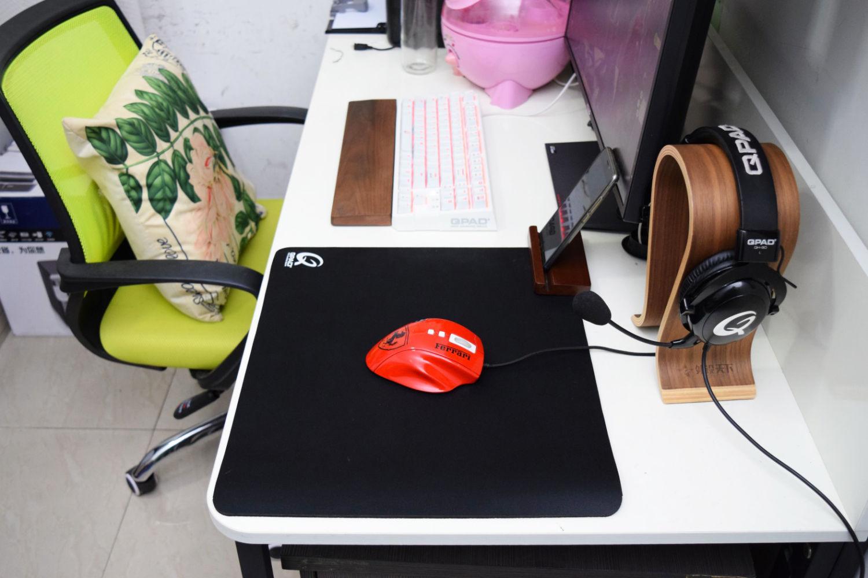 经典的FPS游戏鼠标垫QPAD UC-44体验与对比