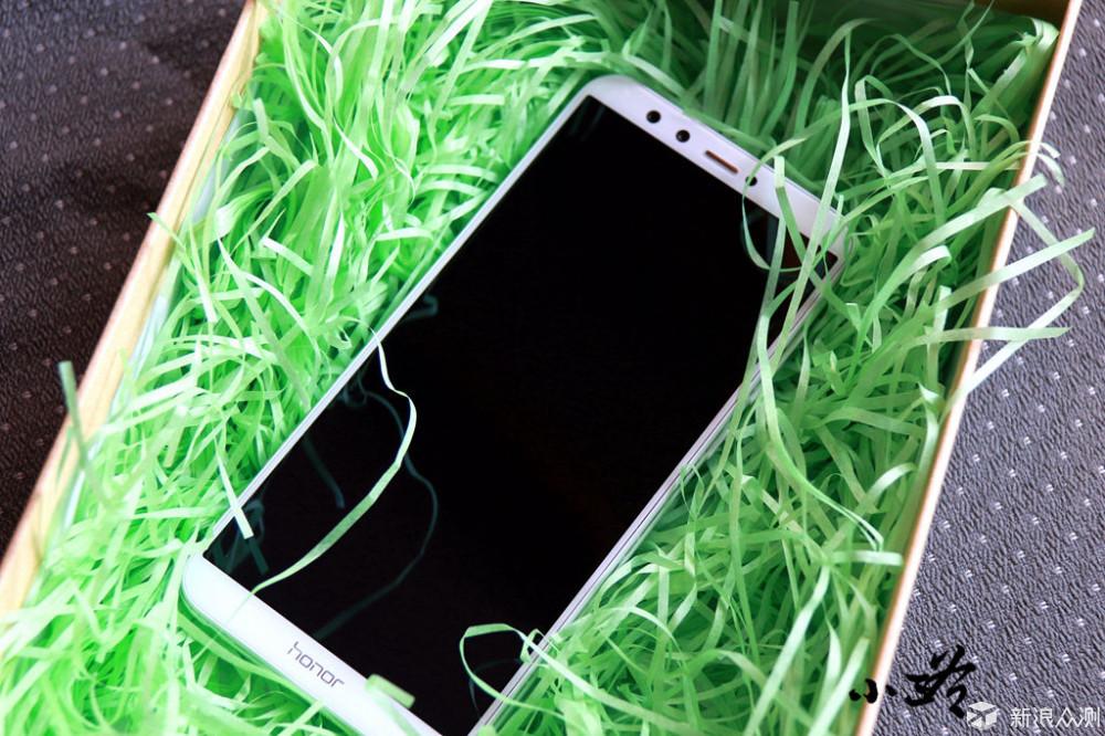 三款千元全面屏手机的性价比之战_新浪众测