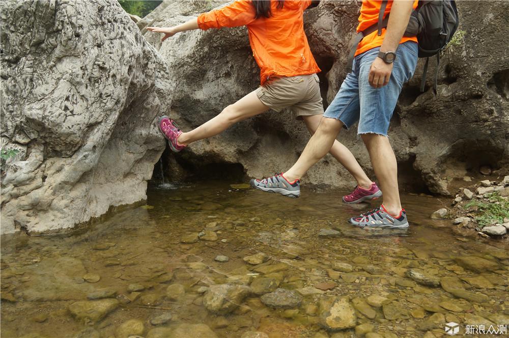 纵情夏日,舒适而行--CLORTS情侣溯溪鞋测评_新浪众测