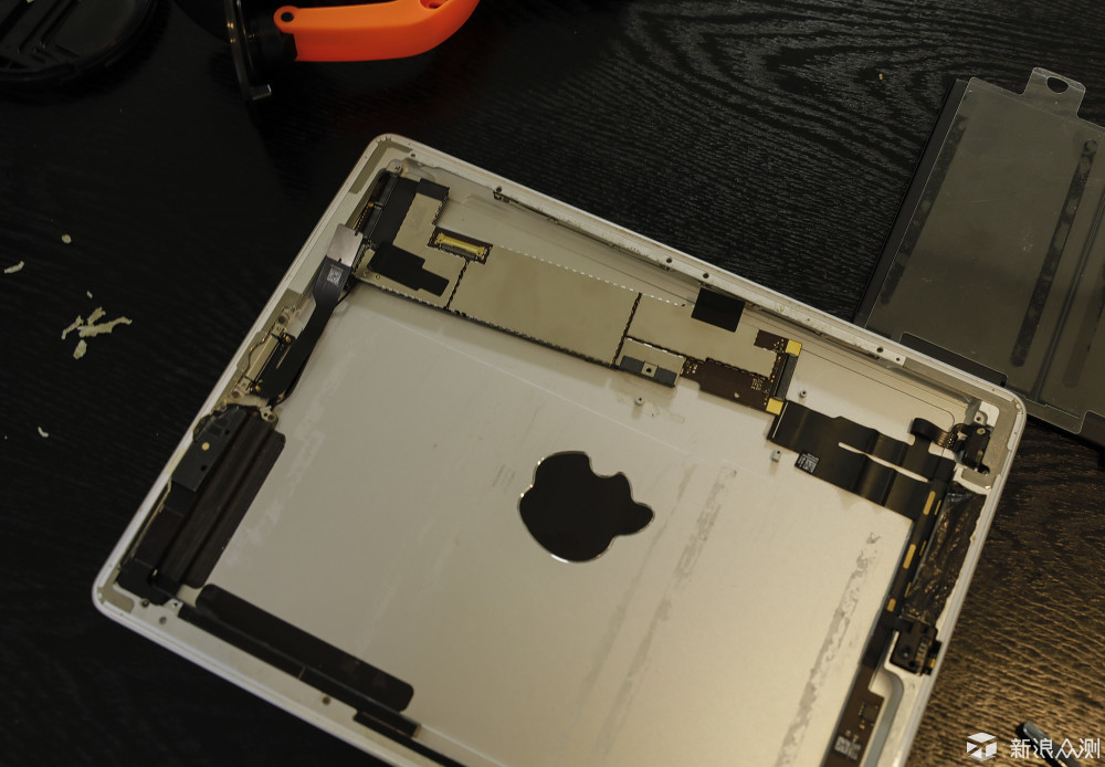 满血复活,iPad 2更换电池。_新浪众测