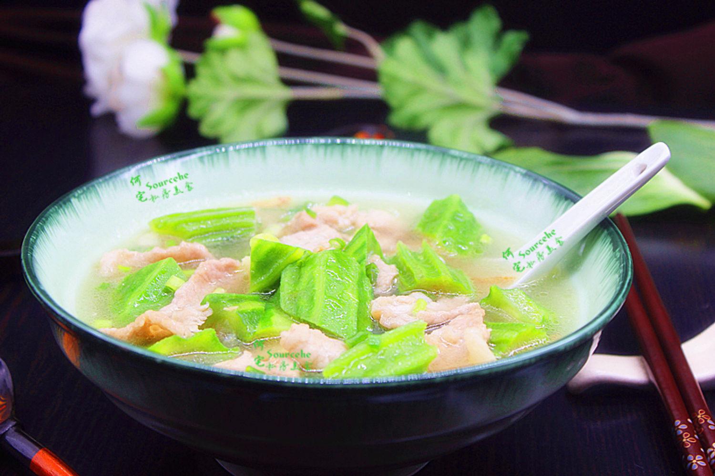 丝瓜肉片汤,不炖不熬,清凉滑嫩,出奇好喝!