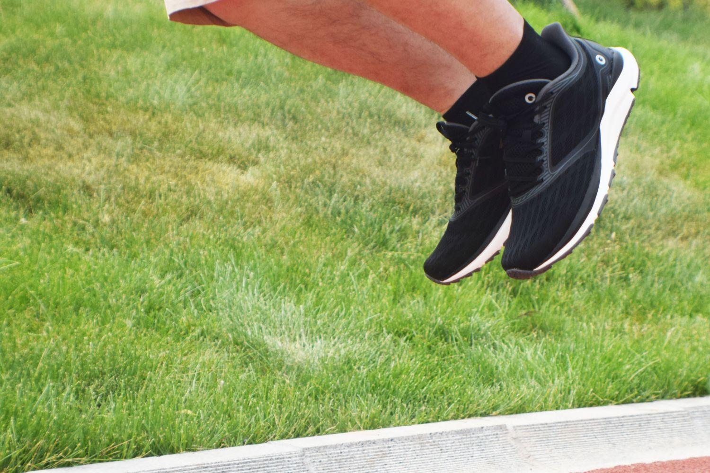 第二双智能跑鞋,AMAZFIT羚羊轻户外跑鞋点评