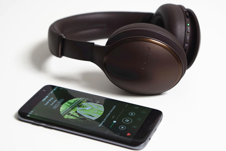 松下RP-HD605N:声音出众的无线降噪耳机