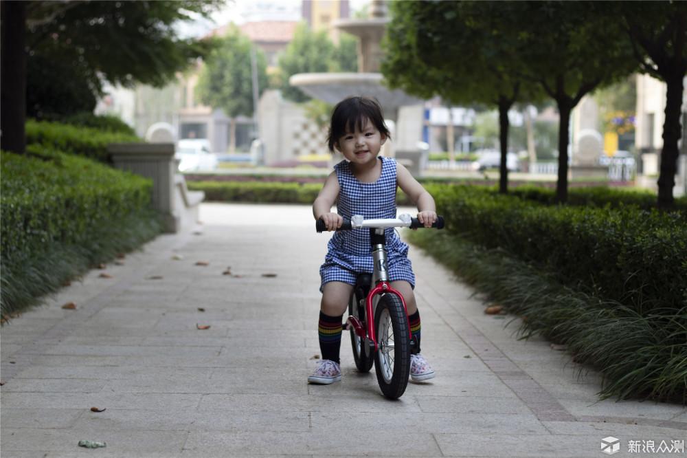 儿童平衡车了解一下?KOKUA儿童平衡车玩耍_新浪众测