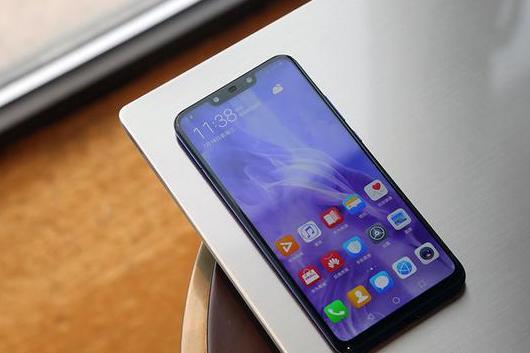 早读|华为nova3评测/格力强卖手机给空调安装工