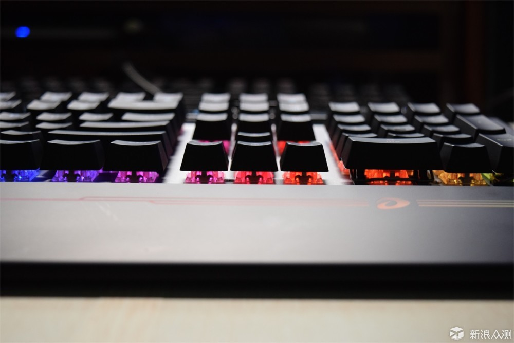 当之无愧的真旗舰 达尔优 EK858 电竞键盘解析_新浪众测