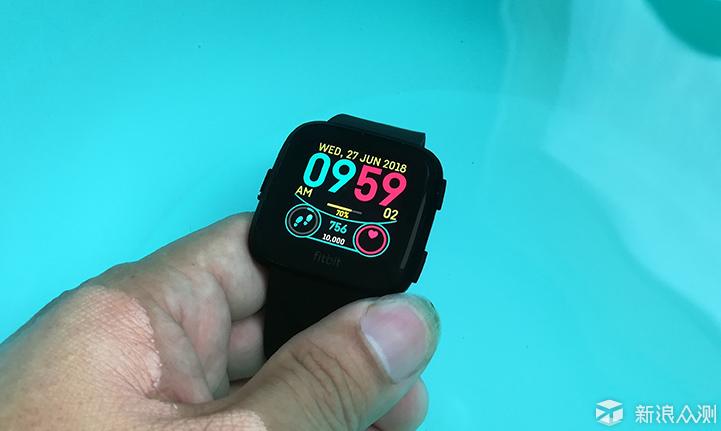 健康运动全能记录者Fitbit Versa智能手表评测_新浪众测